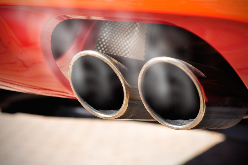 Smog Station Quick Inspection Smoky Exhaust Pipe